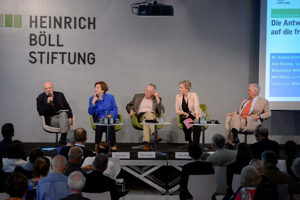 Podium v.l.n.r. Ralf Fücks, Angela Stent, Tom Koenigs, Almut Möller, Wolfgang Ischinger