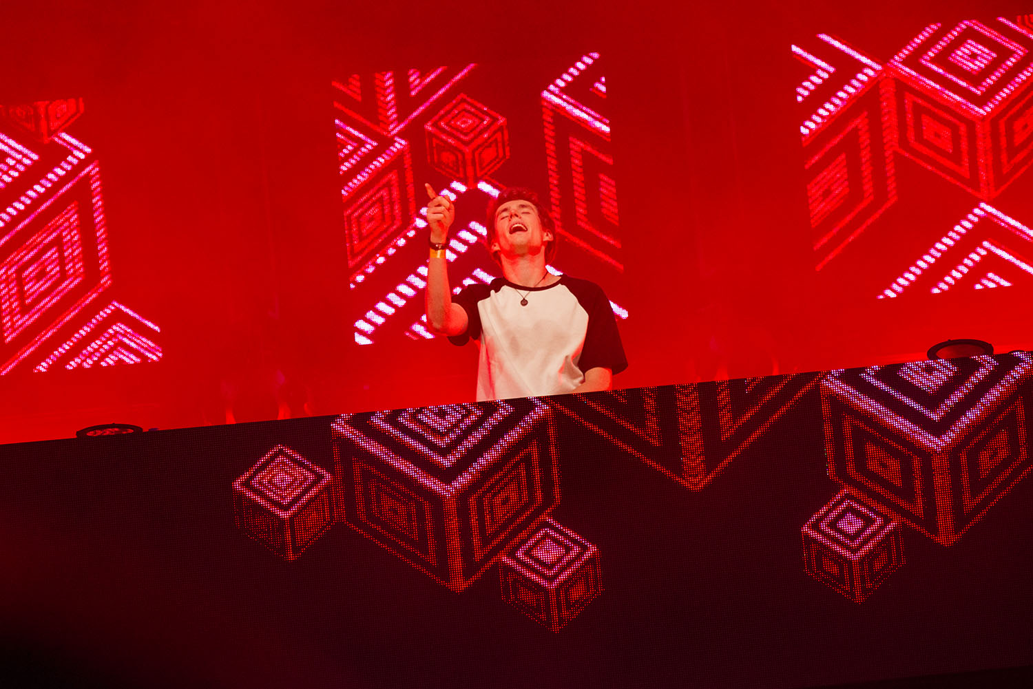 Lost Frequencies 01