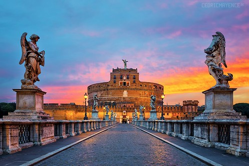 sunset italy rome roma italia tiber bluehour hadrian hdr highdynamicrange italie emperor heure castelsantangelo bleue popes fleuve saintpierrederome tibre saintpierre ponsaelius heurebleue castleoftheholyangel mausoleumofhadrian emperorhadrian canoneos5dmarkiii parcoadriano