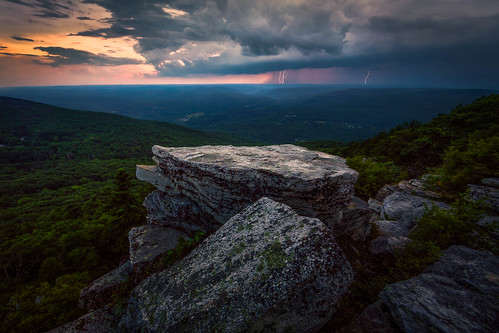 cragsmoorny shawangunkridge valley cliffs bearhillpreserve ulstercounty newyork sunset summer storm clouds hudsonvalley