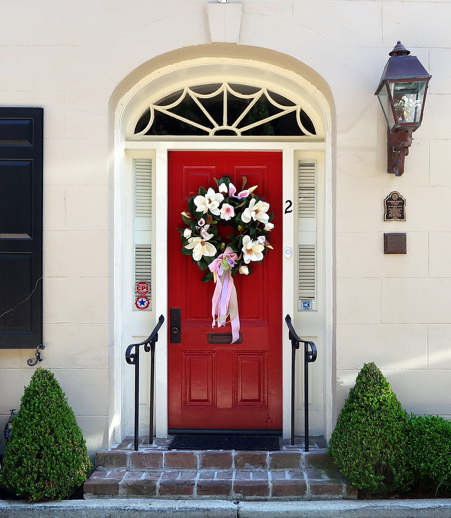 Red Door With A Magnolia Easter Wreath Bedons Alley Char Flickr