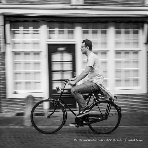 Fietser in Utrecht 1/3 | by PhotoA.nl