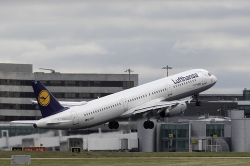Lufthansa A321 D AIRX | by paulziets