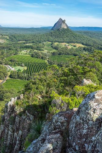landscape nationalpark australia bushwalking qld queensland glasshousemountains sunshinecoast volcanicrock 2015 volcanicplugs mtngungun mtbeerwah mtcoonowrin sonya7r