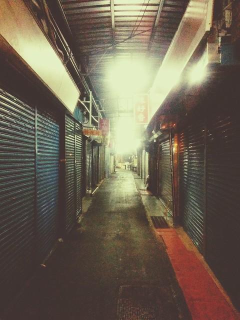 Night stroll in Dongmen Market