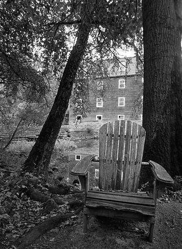 chair kingston nikkor24mmf28 landscape monochrome millhouse trix nj millstoneriver diafine scans bw nikonfm2 iso1250 film