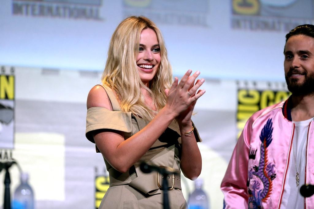 Margot Robbie | Margot Robbie speaking at the 2016 San Diego… | Flickr