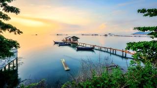 Enjoy the Sunshine | by Ah Wei (Lung Wei)