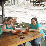 Mo, 13.04.15 - 17:28 - Kakaobohnen schälen