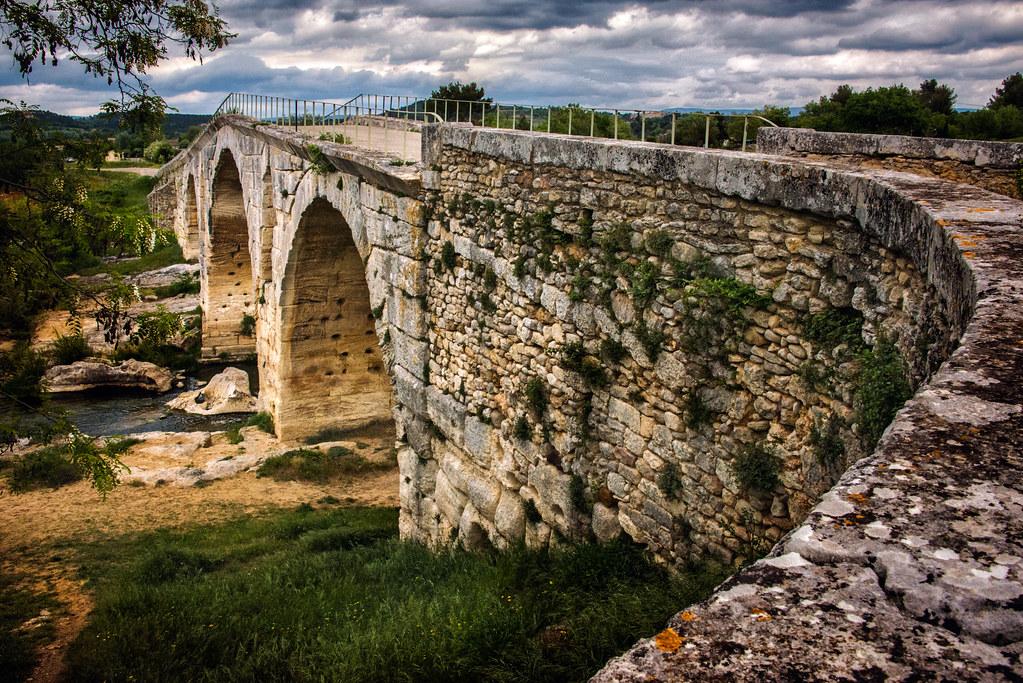 pont julien, bonnieux, provence   jody miller   Flickr