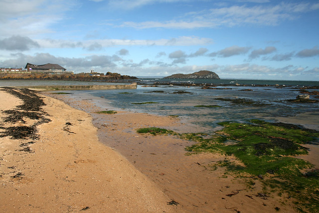 View back to North Berwick from Milsey Bay