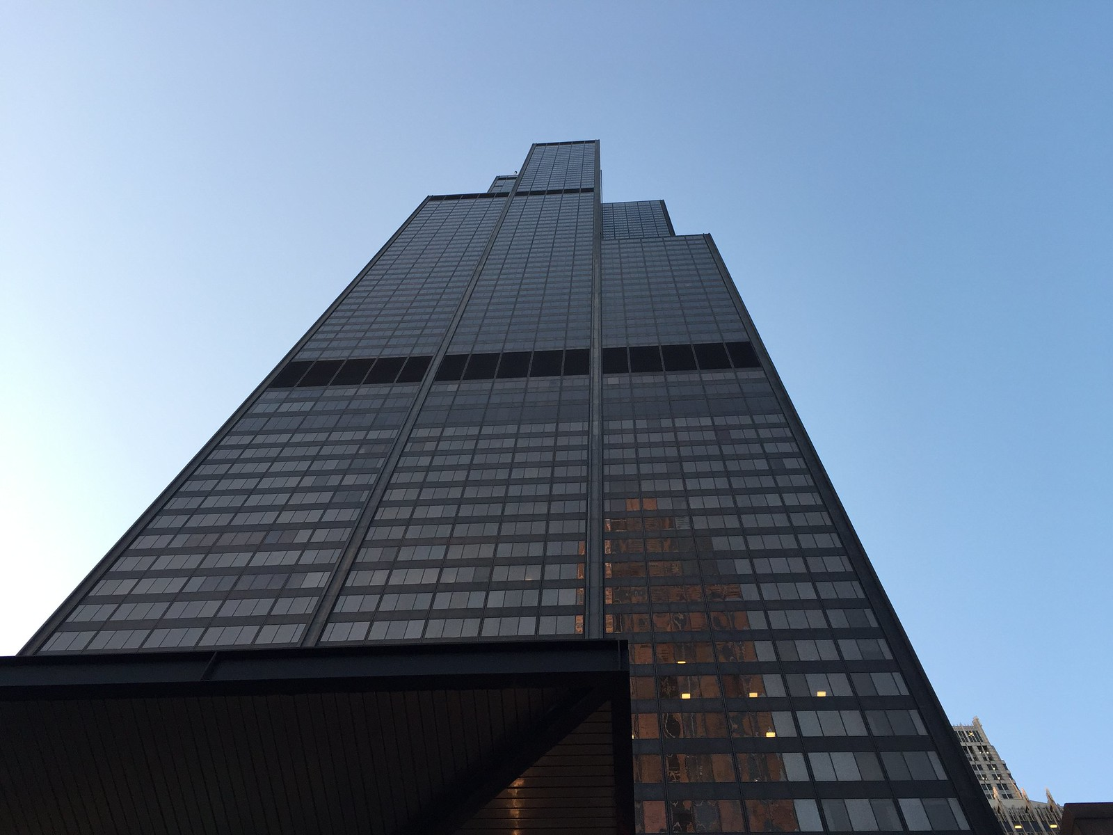 Willis Tower 23-04-2015 19-22-30