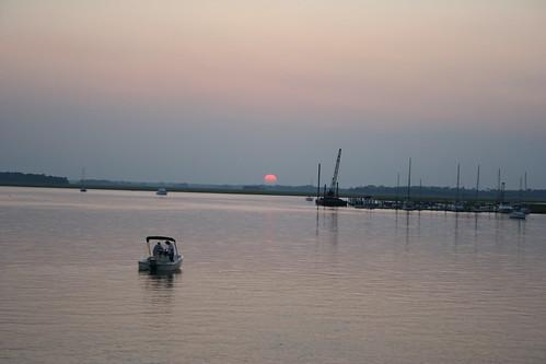 sunset usa beach sc river boats boat south southcarolina 2006 carolina follybeach folly dropin follyriver