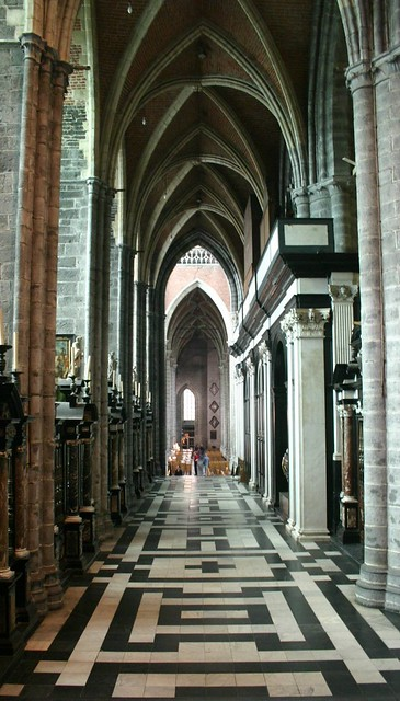 Innards of a church (St. Bavon's Cathedral??), Ghent