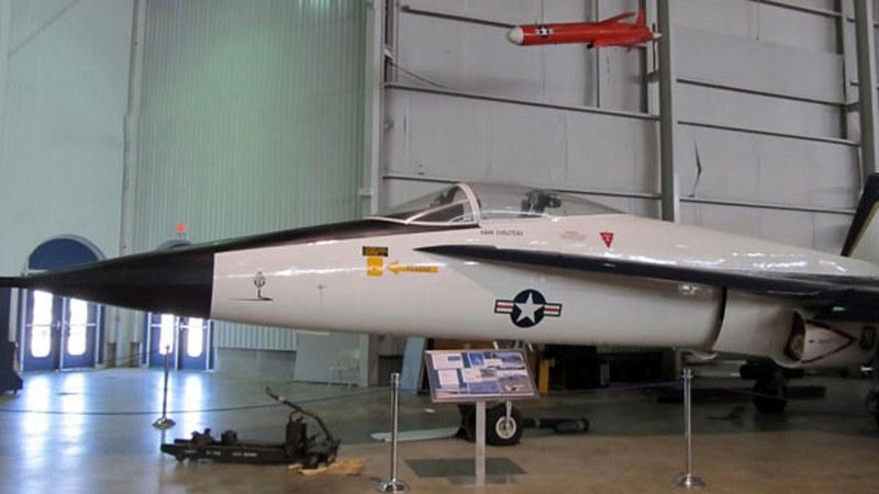 ノースロップYF-17Cobra1