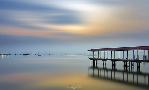penang penangisland georgetown pulaupinang malaysia georgetownpenang my sunrises sunset sunsets nikond7000 nikon ahweilungwei longexposure landscape water blue shore sunrise clouds jelutong karpalsinghdrive persiarankarpalsingh bandarsripinang lebuhsungaipinang tokina1116mm tokina1116mmf28 tokina reflection inverted 倒影 加巴星大道 戶外 海 天空 云 日落 岸邊 海洋 安詳 風景 海岸 槟城 日出 乔治市 马来西亚 长曝 蓝