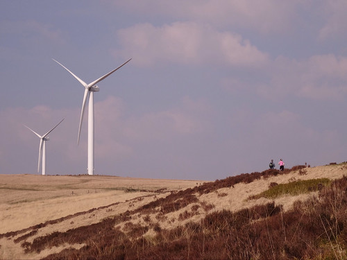 Scout Moor Wind Farm and some people | by Gidzy