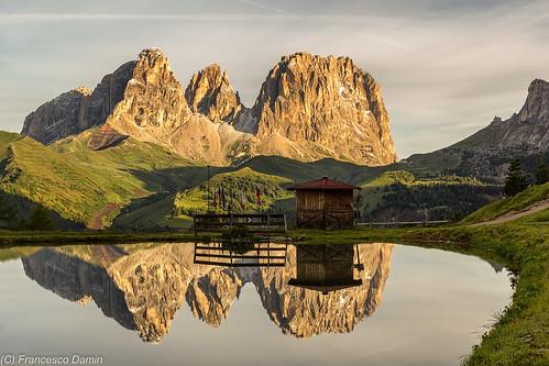 italy mountains alps sunrise canon dawn italia alba alpi montagna trentino dolomites dolomiten valdifassa sassolungo passopordoi canoneos60d tamronsp1750mmf28xrdiiivcld