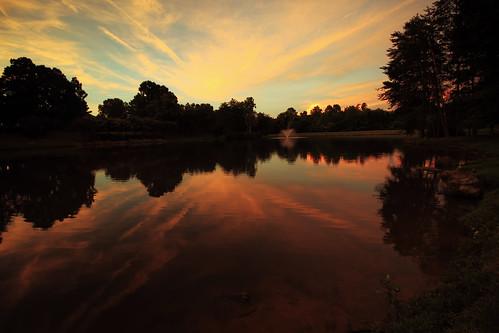 dorameulman evening sunset gastonia northcarolina heatherlock landscape summer august lake reflections