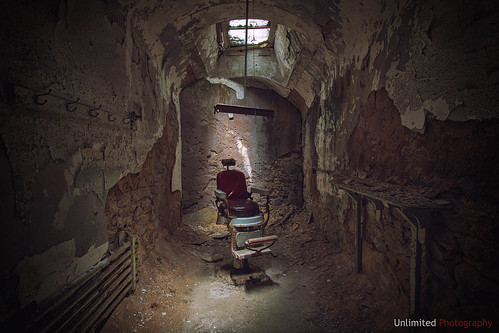 canon eos 60d eastern state penitentiary prison landmark historic jail barber chair hdr raw travel philadelphia pennsylvania urban decay unlimitednyc photographer