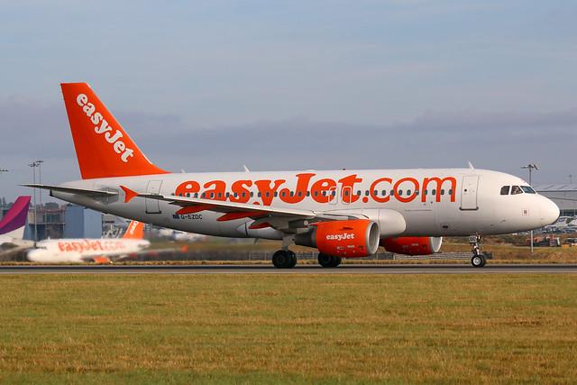 easyJet Airbus A319-100 G-EZDC