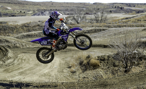 motocross jump action dirt aztecfamilyraceway colorado helmet 26 yamaha canon7dmarkii ef24105mm us unitedstates coloradosprings