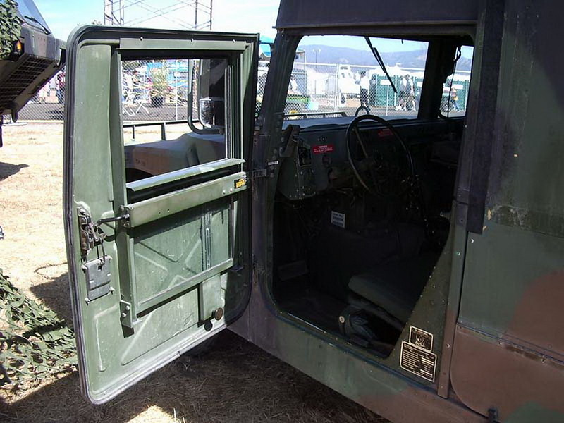 HMMWV M997 Ambulance 5