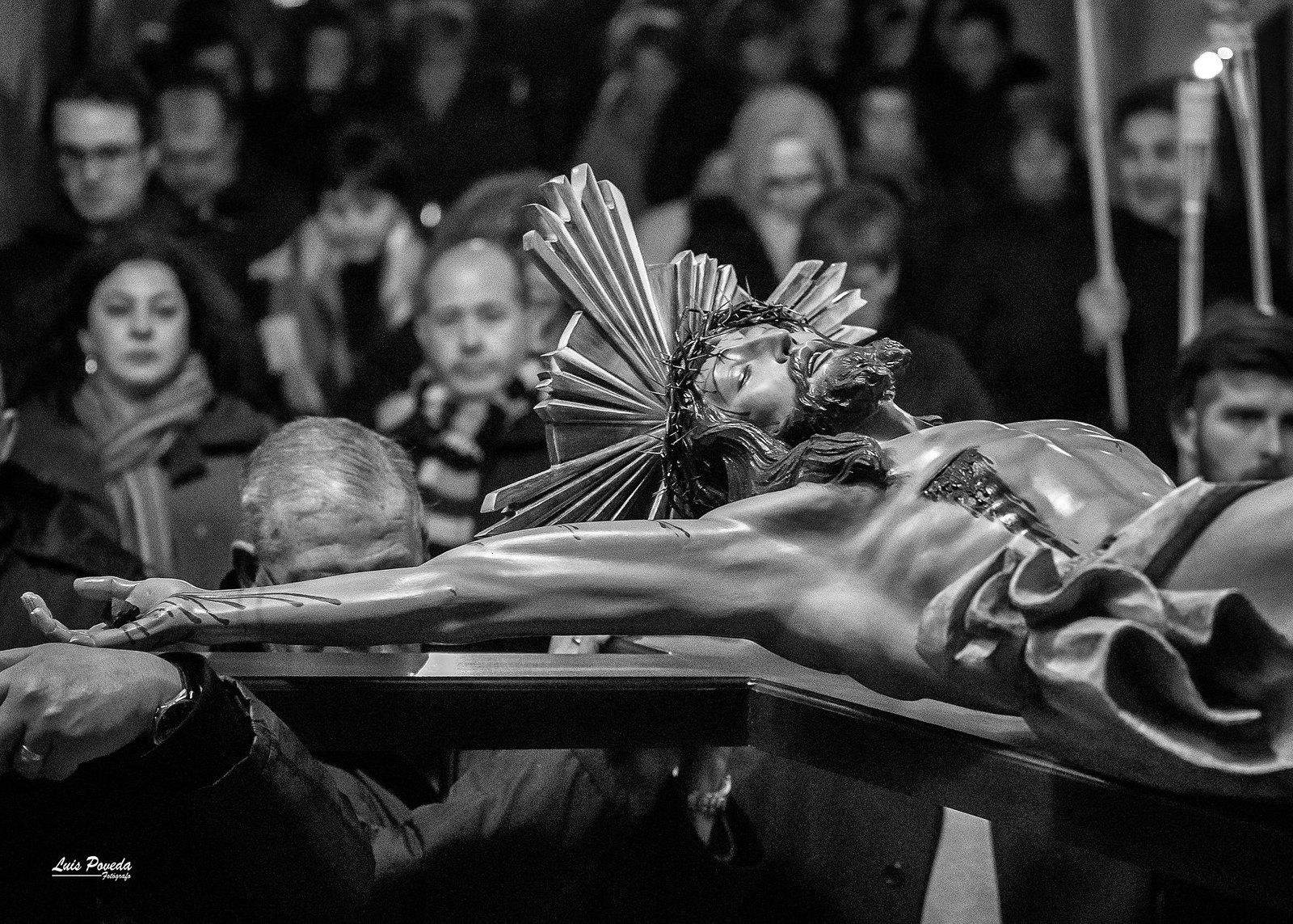 (2018-03-23) - IX Vía Crucis nocturno - Luis Poveda Galiano (07)