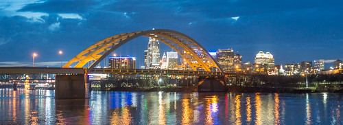 urbanlandscape nightscape cityscape bsa boyscoutsofamerica danielcarterbeardbridge cincinnati ohio ohioriver night interstate471 panorama sony