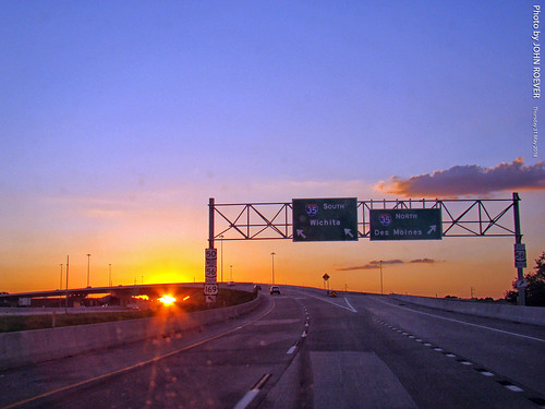 kansas johnsoncounty joco kcmetro lenexa drive driver driving driverpic ontheroad road highway freeway interstate interstate35 i35 ramp exit interchange flyover onramp i435 interstate435 johnsoncountygateway evening sunset sunsetting may 2018 may2018 usa