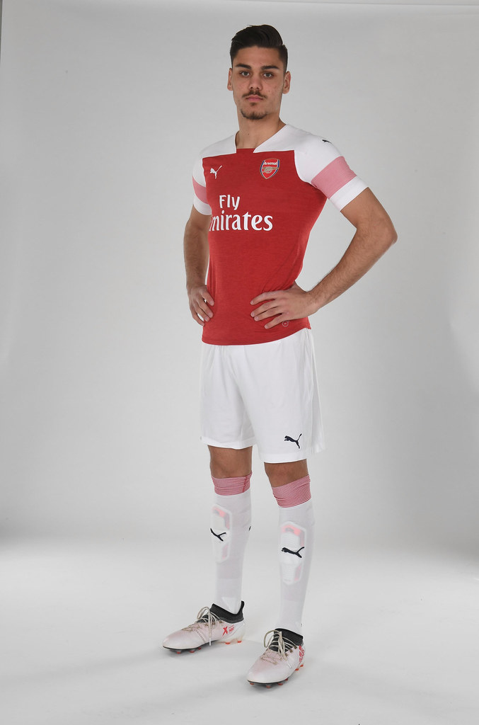 the best attitude 051cc d2e47 Arsenal players in the New Home Kit for 2018-19 Season | Flickr