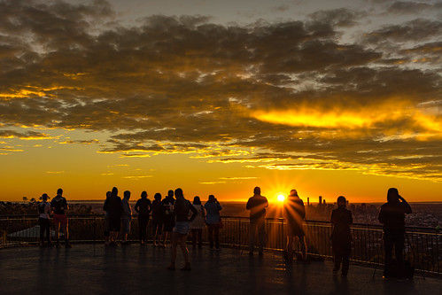 2016 australia brisbane mtcoottha mtcootthalookout qld queensland sonya7r clouds seqld sunrise sun people golden peopleandpaths lookout platform
