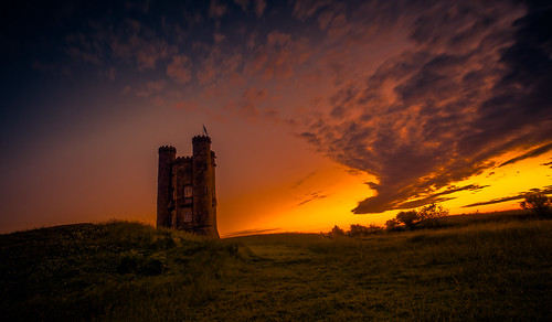 blue light red summer sky orange sun green castle english beautiful beauty grass yellow architecture clouds sunrise dark walking dawn golden countryside big high nikon exposure walk wildlife broadway landmark cotswolds historic fields british worcestershire footpath beacon hilltop folly goldenhour sunup cotswold cotswoldway dxooptics d7100