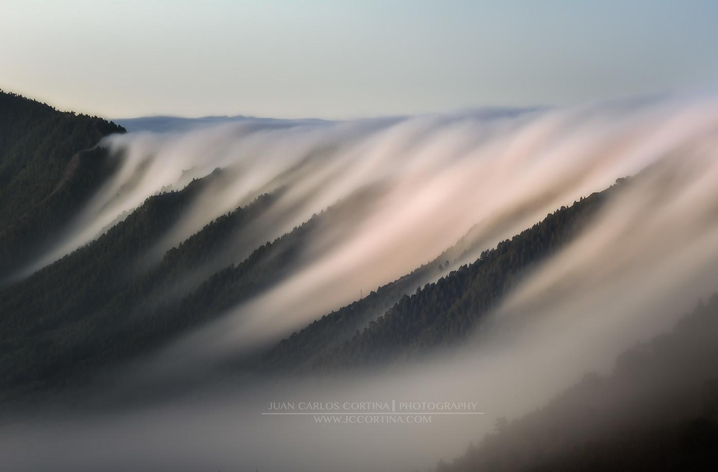 la cascada de nubes de La Palma