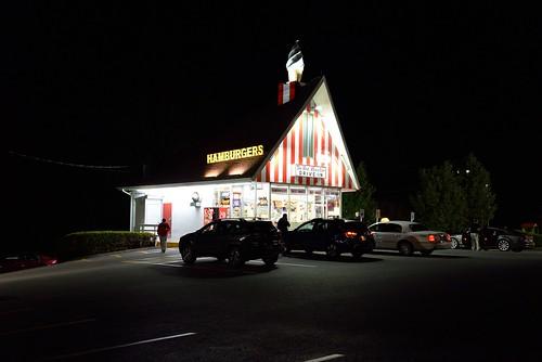 food ny newyork dark restaurant evening hotdog twilight dusk minigolf drivein icecream americana brewster hambuger redrooster putnamcounty