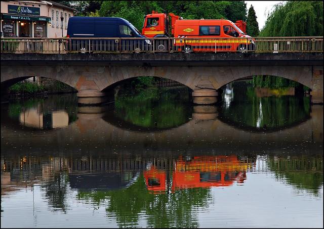 3 - Paray-le-Monial Reflets sur la Bourbince