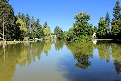 mirrorpond manitopark manitopond spokane spokanewa spokanewashington spokaneparkandrecreationdepartment water pond outdoor duckpond