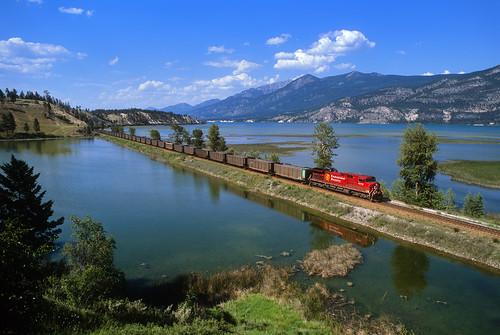 canadianpacific cp coaltrain unittrain ge ac4400cw coalempty water reflection locomotive train railroad cpwindermeresubdivision canalflats britishcolumbia canada bc columbialake