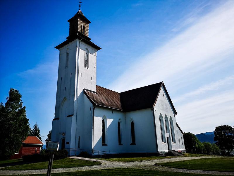 04-Fiskum kirke