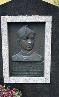 Kaare Bryn Askelund (1919-1944)