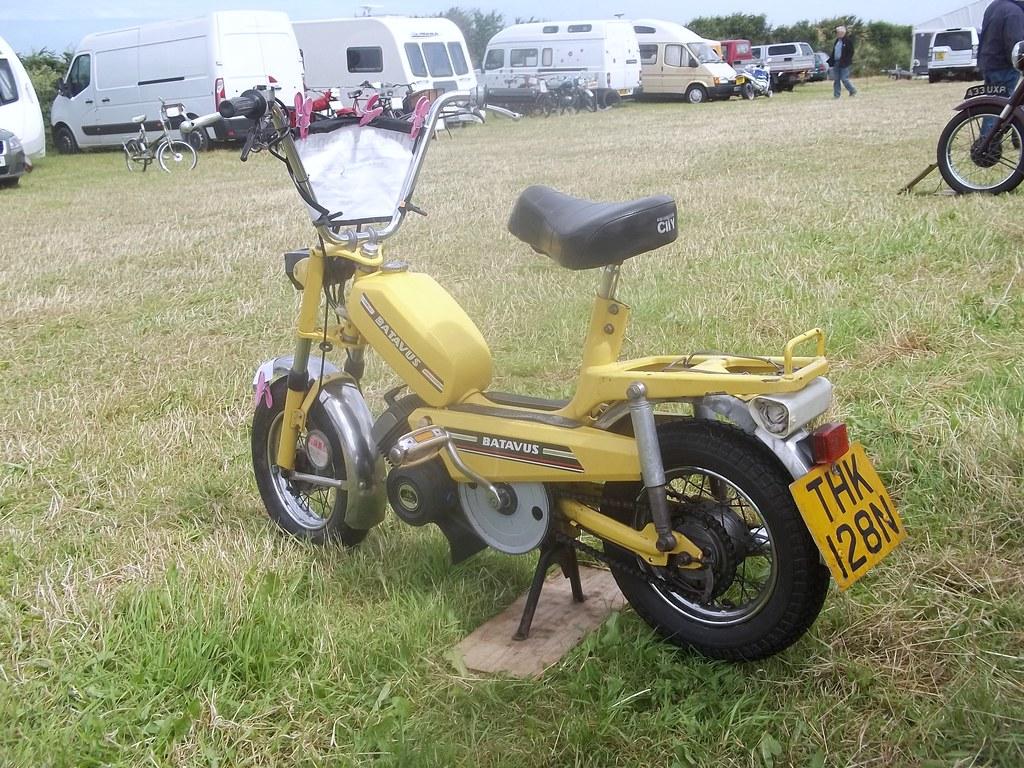 Onwijs Batavus City Moped | 1974. Batavus were fairly rare in the U… | Flickr FQ-82