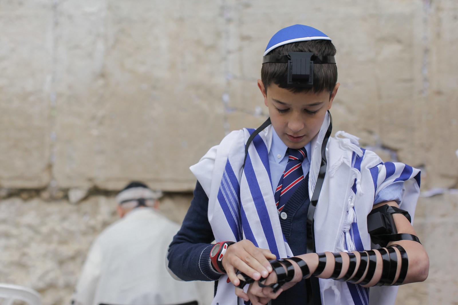Bar Mitzvah 8_Jerusalem_9614_Yonatan Sindel_Flash 90_IMOT