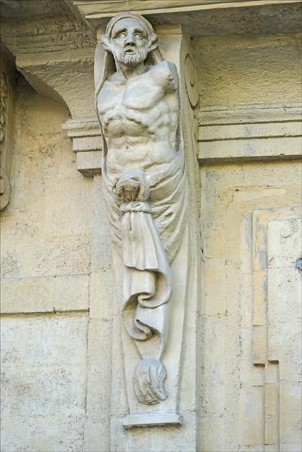 Pilastre orné de l'hôtel de Belleval (Montpellier)