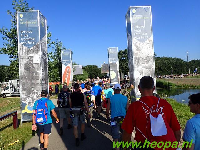 2016-07-19   1e dag Nijmegen    40 Km (38)