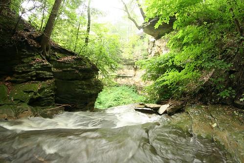 gatesmillscreek gatesmills creek river ravine waterfall falls escarpment chesterland oh ohio countylinerd countylineroad countyline