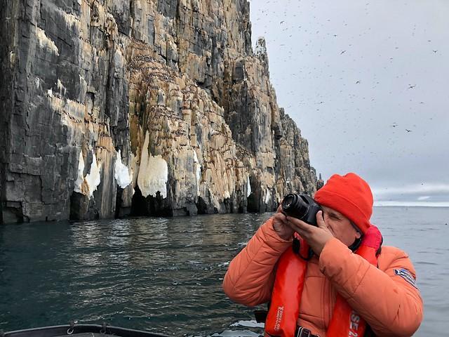 Sele fotografiando en Svalbard
