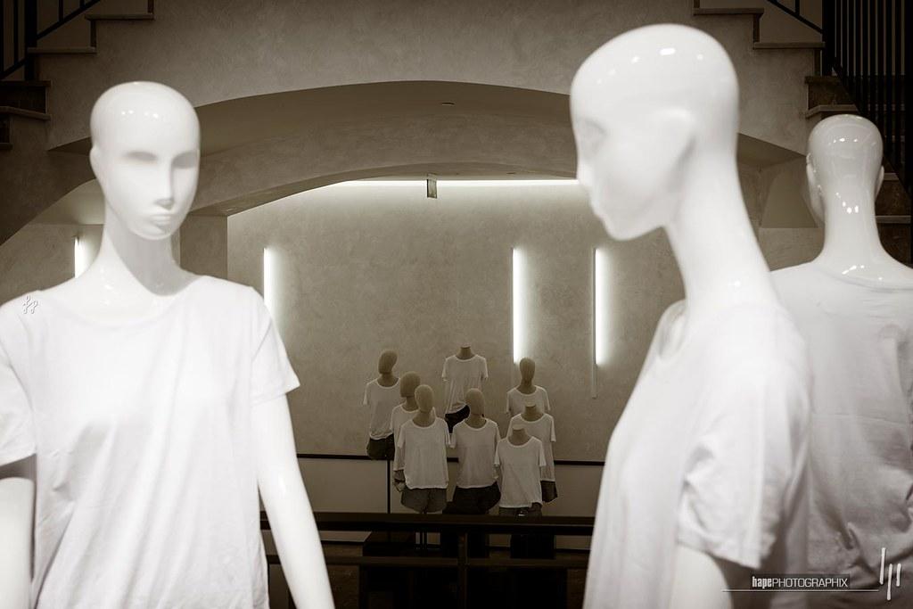 Mannequin gathering