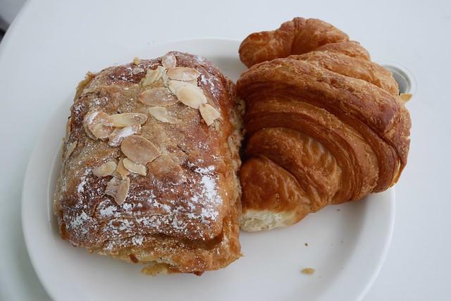 火, 2015-05-12 10:03 - Croissant & Pain au Chocola aux amandes
