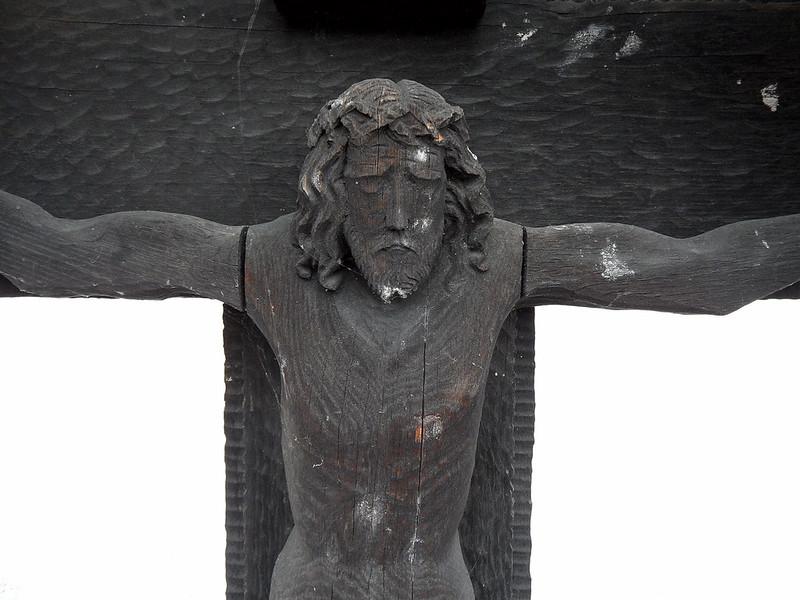 Hatzenport - Jesusfigur aus Holz