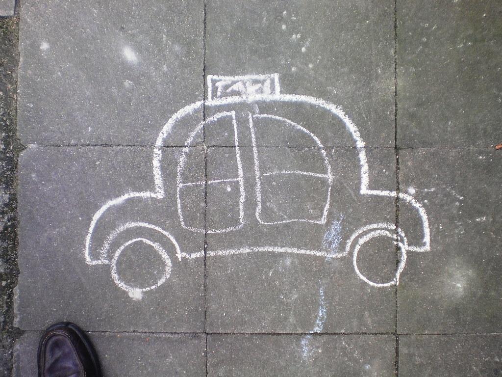 release date d1bcd 922a4 Taxi (mit Schuh) | Mit Kreide auf dem Weg gemalt, vermutlich ...